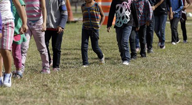 Number of Child Immigrants Crossing Border Falls